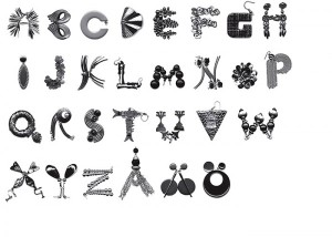 hjarta-smarta-earring-typeface-600x428