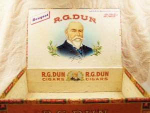 cigar_box_r_g_dunn_bouquet_cigar_box_vintage_cigar_box_7d5f7f3f
